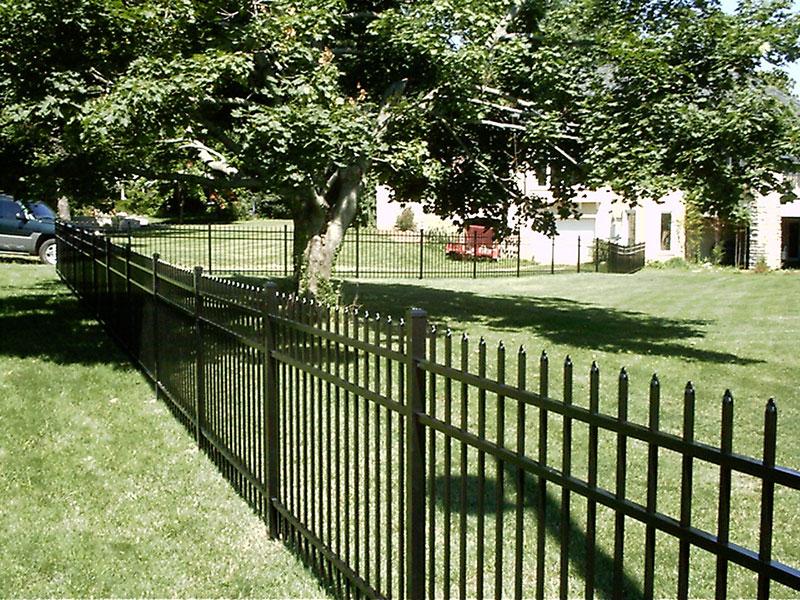 3 Rail Style 100 Aluminum Fencing