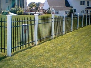 3 Rail Style 100 Residential Aluminum Fence