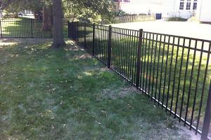 3-Rail Style-200 Aluminum Fence