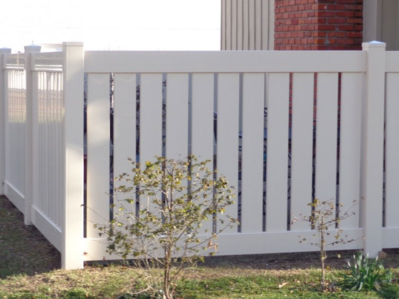Semi-Privacy Vinyl Fence